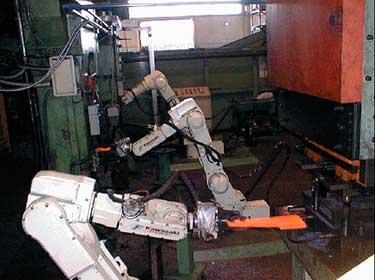 роботы для штамповки и гибки